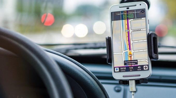 Real-time GPS Tracker For Cars: Why Do We Need That?